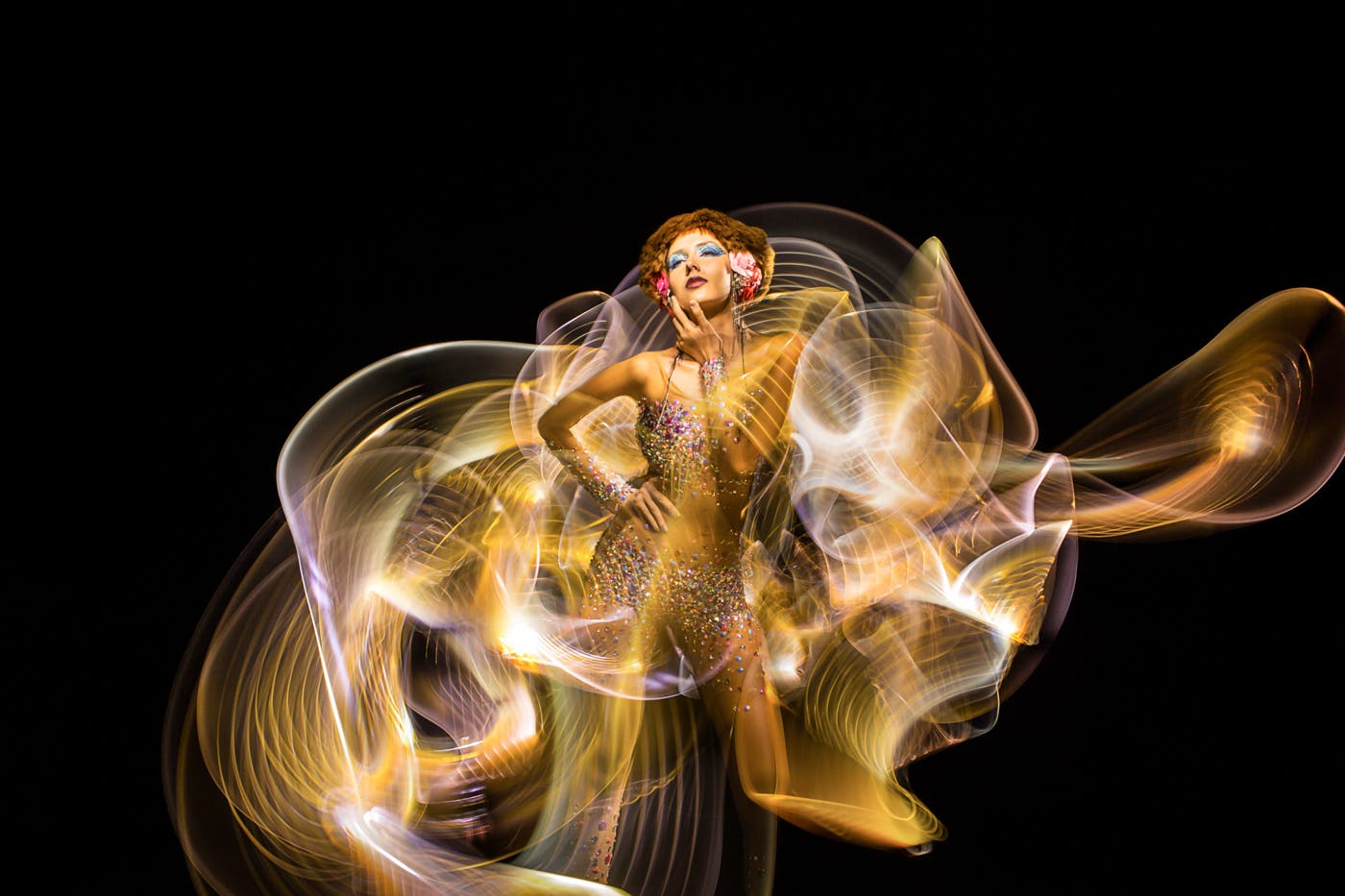 Patrick Rochon Uses 24 Canon 5D Mk II Cameras For These Light Paintings