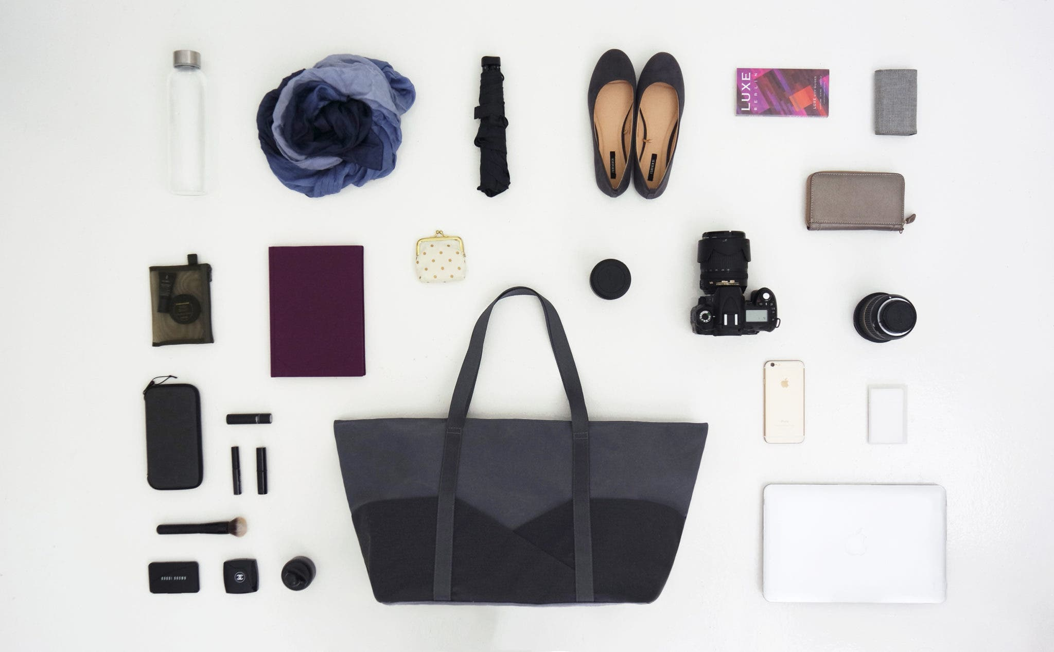 The Aide de Camp Nadine Travel Tote is an Effective Camera Bag