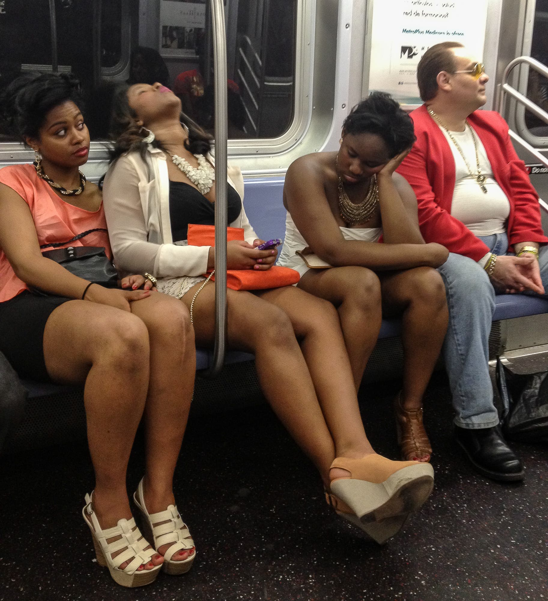 UNLIMITED METROCARD: Gretchen Robinette's Candid NYC subway Photographs
