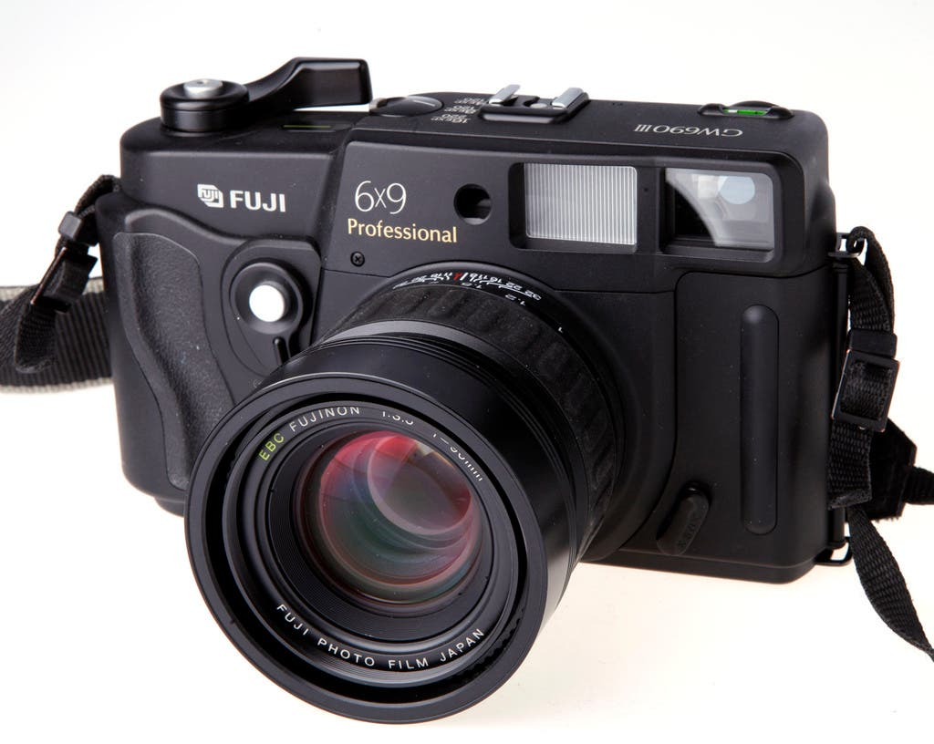 6 Compact Mirrorless Medium Format Cameras For The Film