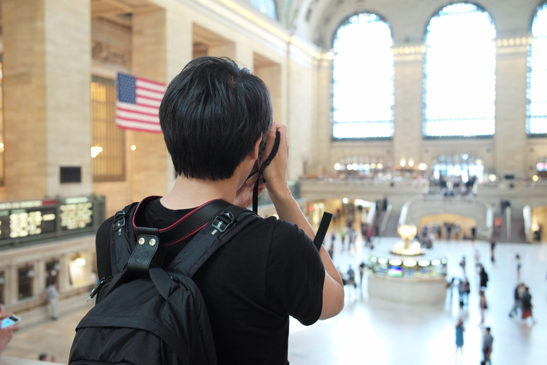 New Camera Lift-Strap Looks To Take The Weight Off Your Shoulders
