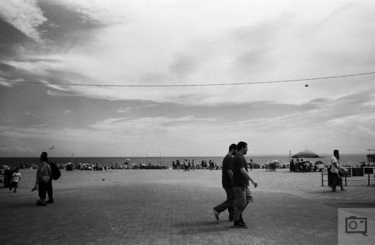 chris-gampat-the-phoblographer-jch-street-pan-400-sample-images-16-of-40