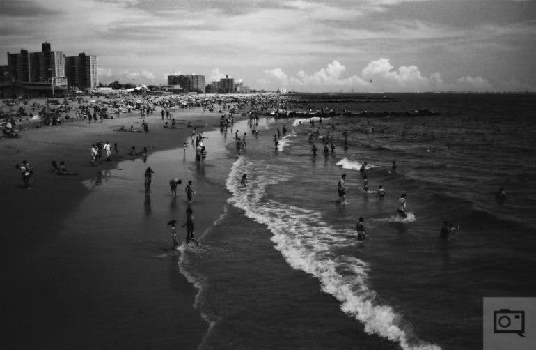chris-gampat-the-phoblographer-jch-street-pan-400-sample-images-19-of-40