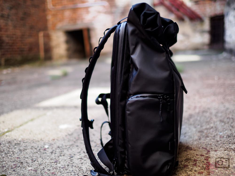 IMAGE: http://www.thephoblographer.com/wp-content/uploads/2016/09/Chris-Gampat-The-Phoblographer-WANDRD-PRVKE-21-backpack-camera-bag-review-images-1-of-13ISO-2001-500-sec.jpg