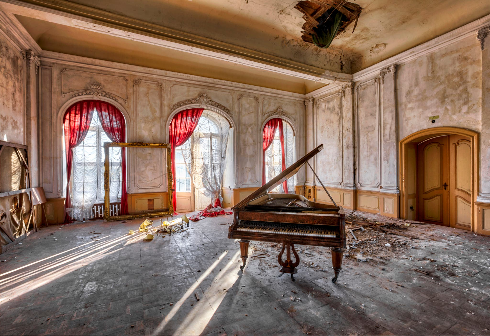 An Urban Decay Photography Project Turns Abandoned Buildings Into Work of Art
