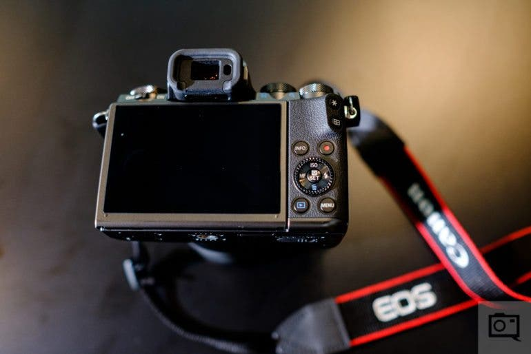 chris-gampat-the-phoblographer-canon-m5-first-impressions-product-photos-7-of-14iso-4001-125-sec-at-f-2-0