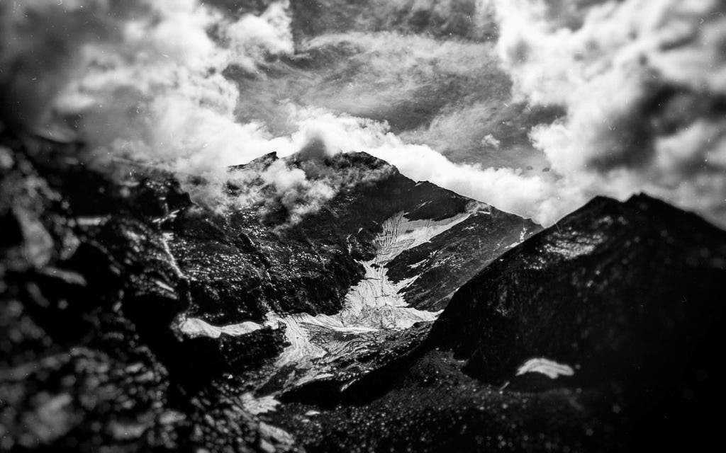 Monochrome Proves You Don't Need Golden Hour for Great Landscape Photos