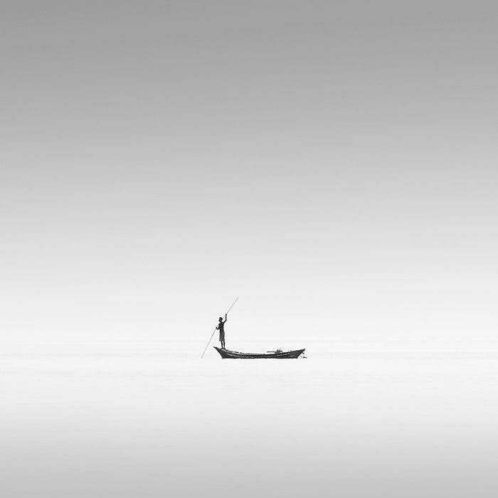 Hengki Koentjoro Captures Minimalist Beauty Of The Ocean In Black And White