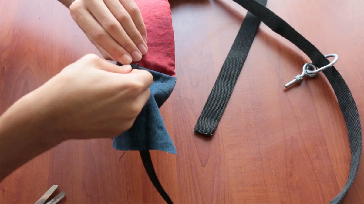 Photographer Majd Khatib Shows You How to DIY a Theft Proof Camera Strap