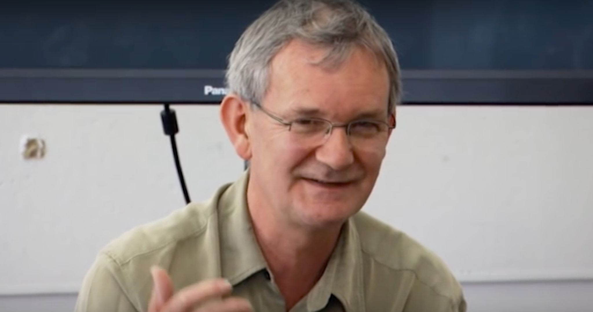 Magnum Photographer Martin Parr Offers Young Photographers Great Advice