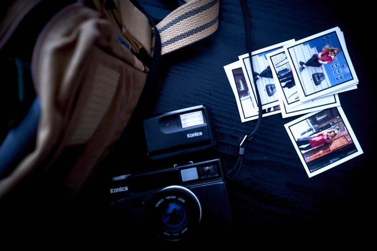chris-gampat-the-phoblographer-essentials-the-analog-street-photographer-23mm-f2-iso-400-1-125s23fujifilmx-pro1-xf23mmf1-4-r-extras-4