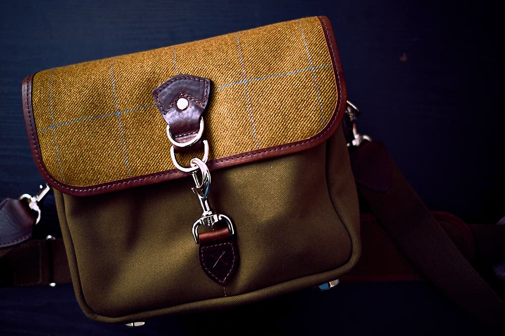 chris-gampat-the-phoblographer-hawkesmill-small-jermyn-street-bag-fujifilm-x-pro1-review-23mm-f2-iso200-1-125s-image-samples-2