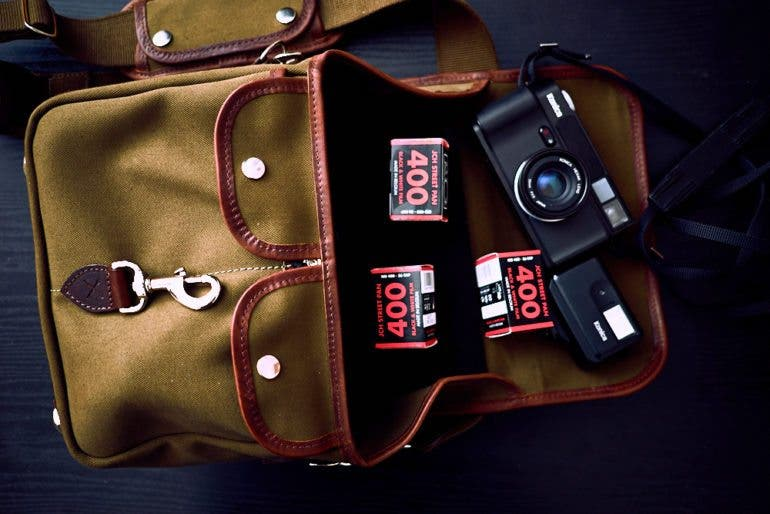 chris-gampat-the-phoblographer-hawkesmill-small-jermyn-street-bag-fujifilm-x-pro1-review-23mm-f2-iso200-1-125s-image-samples-4