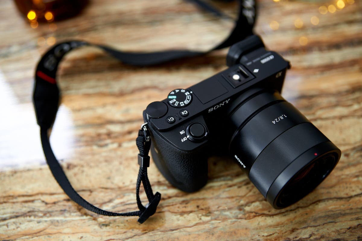 Cheap Photo: Fujifilm Preorders and Killer DSLR Savings