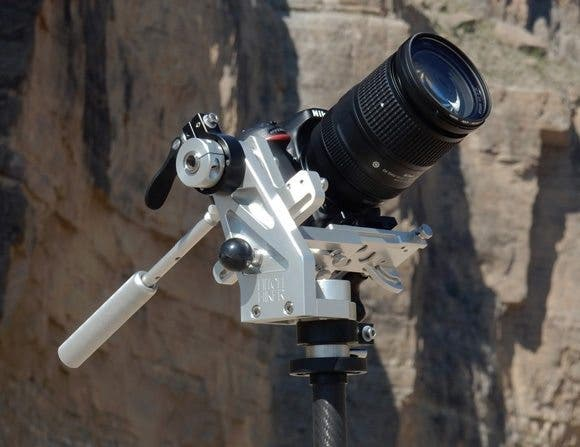 The Hitch Hiker Claims to be a Gravity-Defying, Balanced-Motion Tripod Head