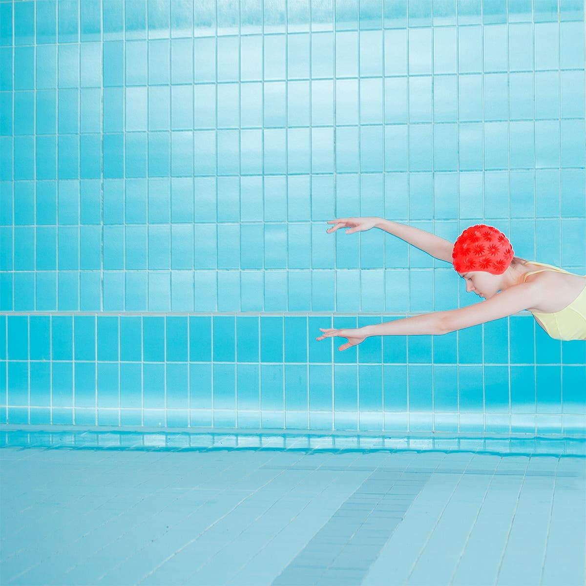 Maria Svarbova Created Visually Stunning Conceptual Portraits By Removing Water From A Swimming Pool