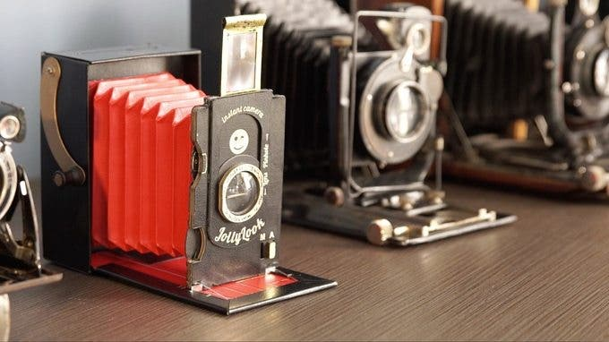 The Jollylook: A Vintage Style Instax Film Camera Made from Cardboard