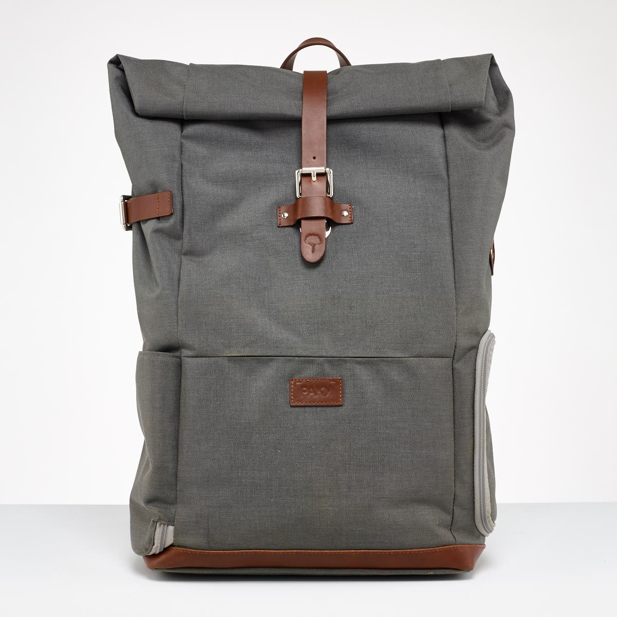 The Pakk Promises to Be a Versatile and Stylish Backpack for Photographers