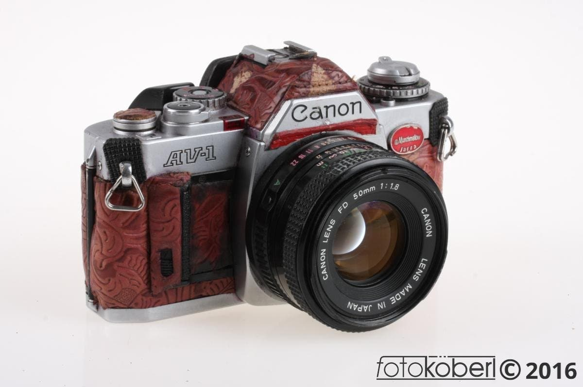 This Monstrosity of a Canon AV-1 Can Be Yours for $41