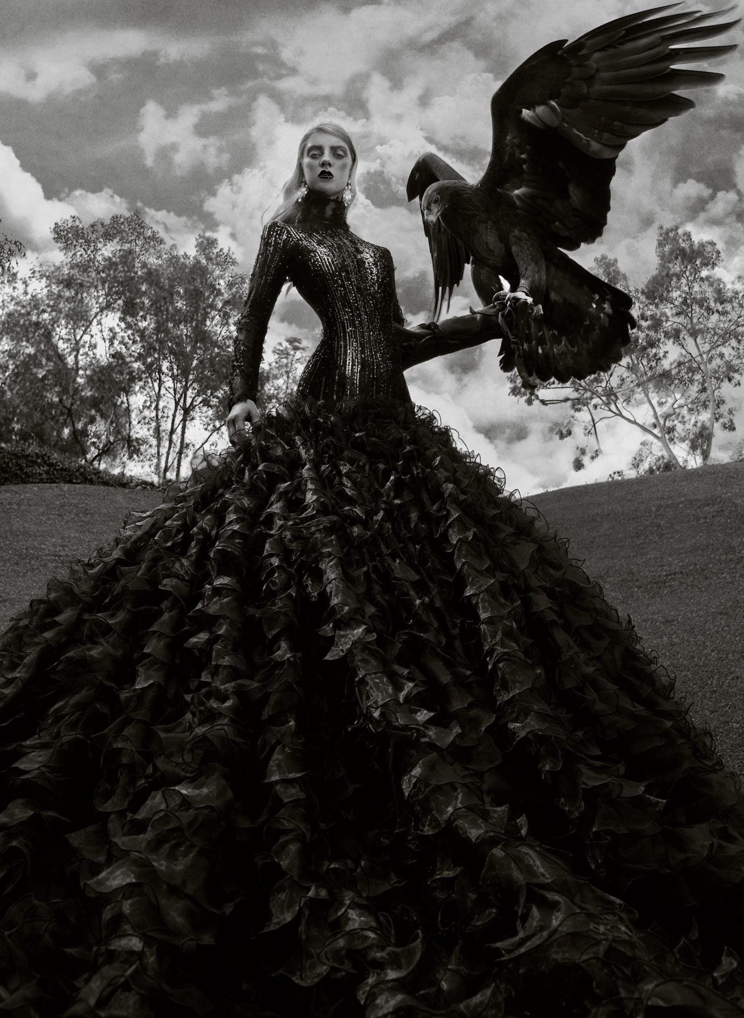Jvdas Berra Showcases Birds of Prey in These Beautiful Fashion Photographs