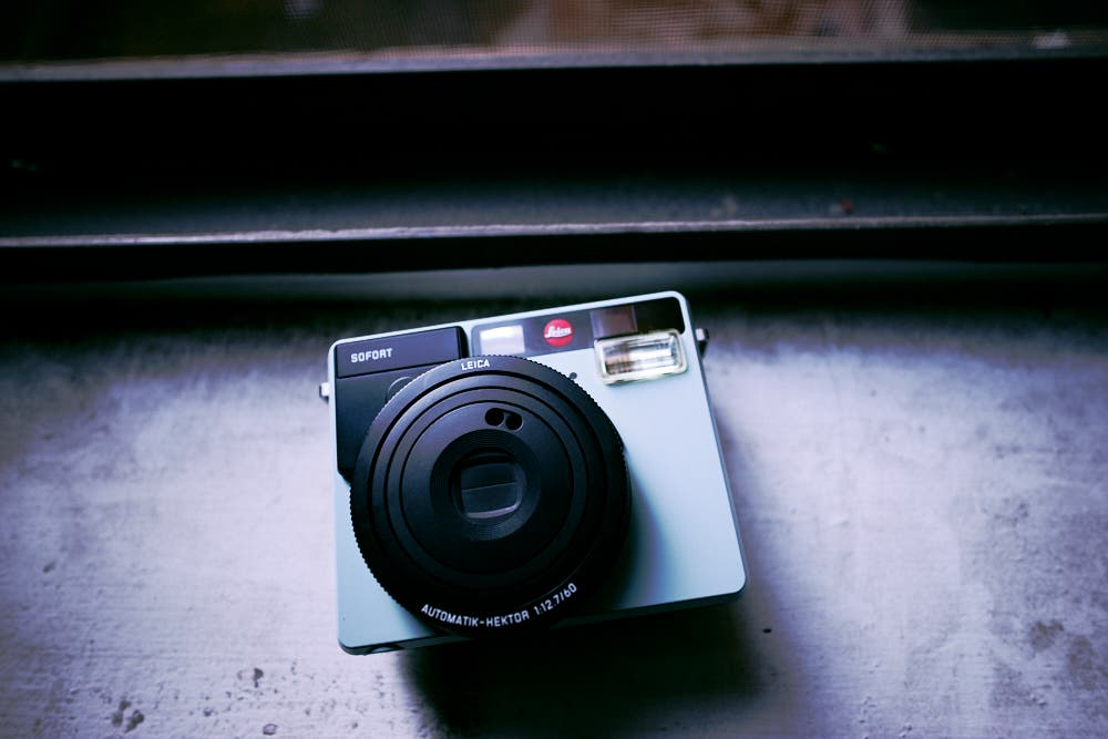 Review: Leica Sofort (Fujifilm Instax Mini)