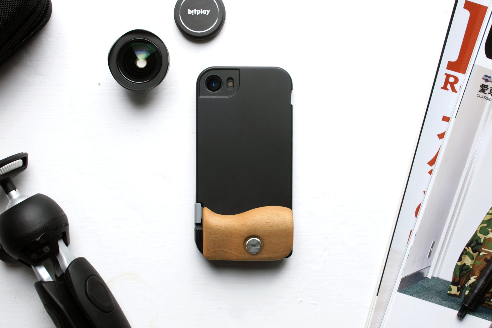 SNAP! Pro's New HD Wide Lens for iPhone Almost Totally Kills Distortion