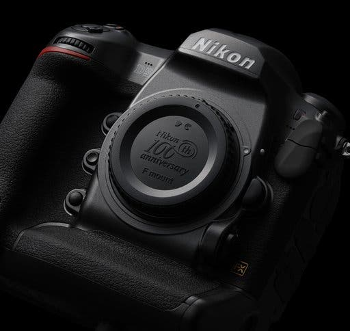 What the Upcoming Mirrorless Nikon D5 Needs to Be a Success