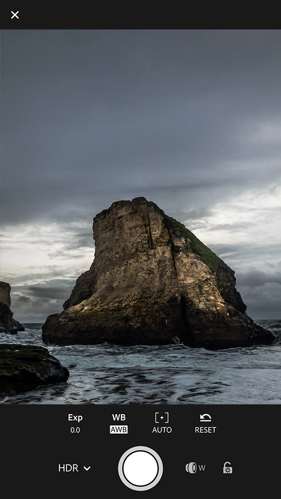 """Adobe Lightroom Mobile's New """"Authentic HDR"""" Creates a 32-Bit DNG File"""