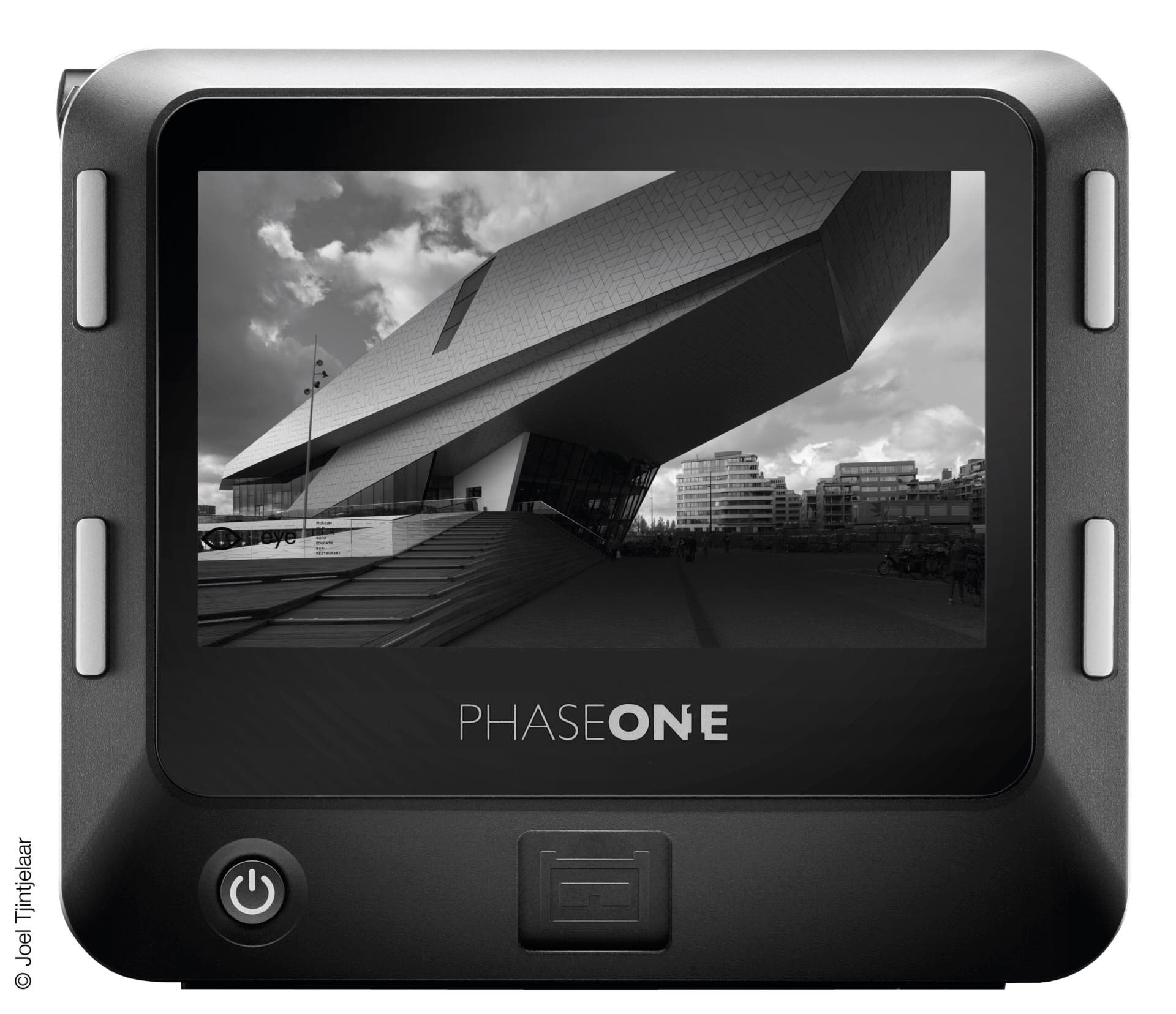 The New Phase One IQ3 100MP Achromatic Shoots 100MP Black and White Photos