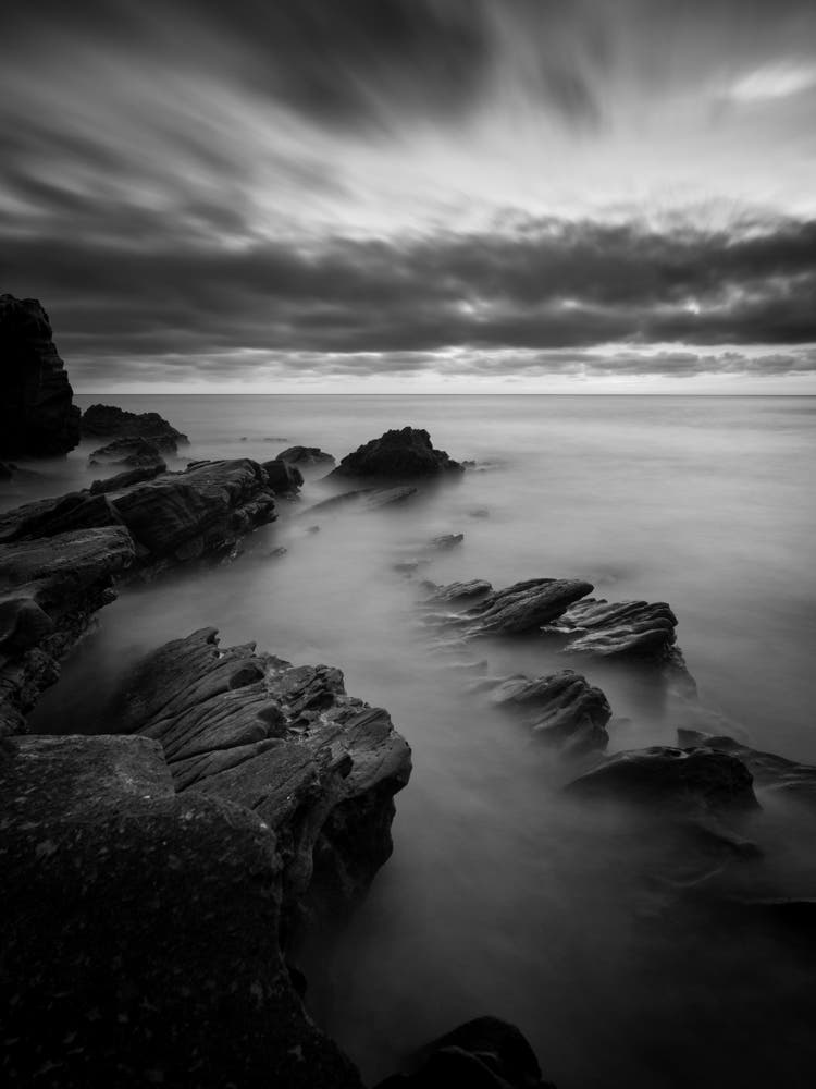 Martin Gonzalez's Hypnotic Black and White Seascapes