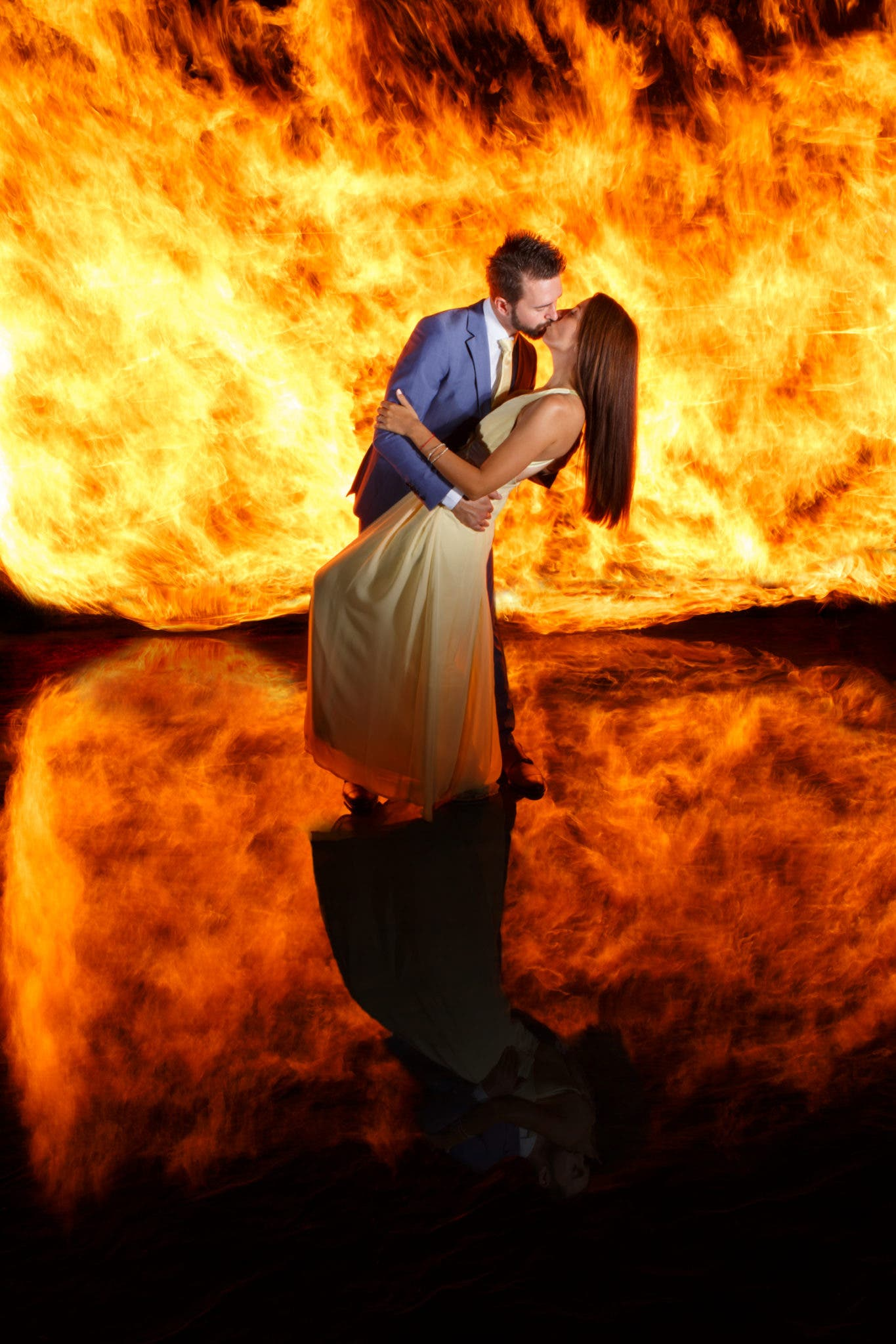 This Fiery Wedding Photo is a Single Exposure Done With Two Strobes