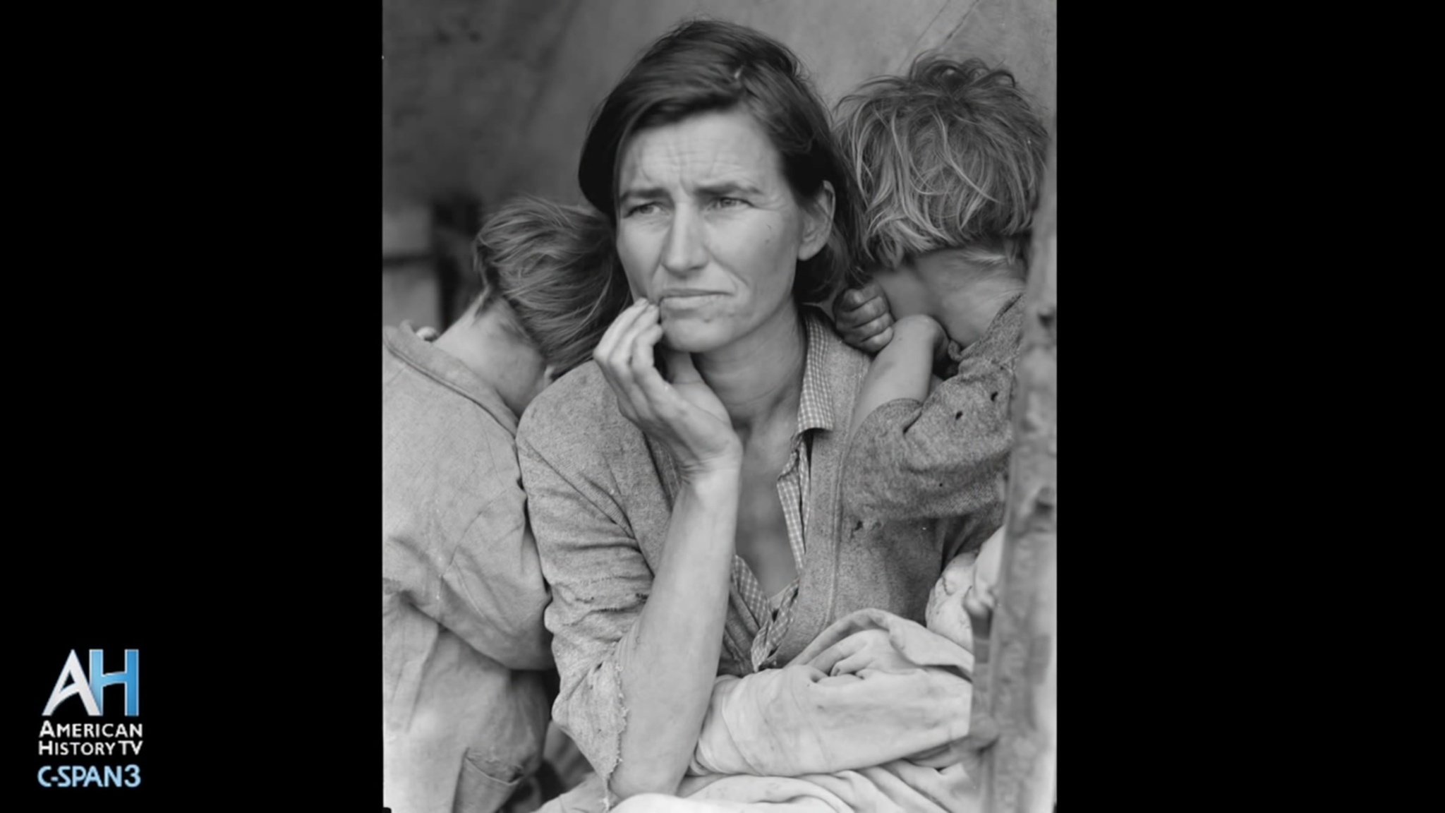 "The Gripping Story of Dorothea Lange's ""Migrant Mother"""