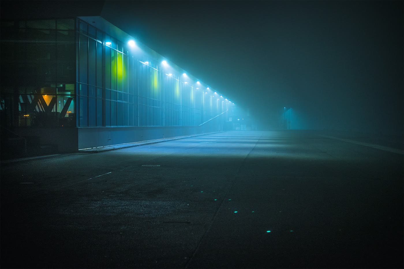 Mark Broyer Shares the Beauty of Foggy Nights in Hamburg