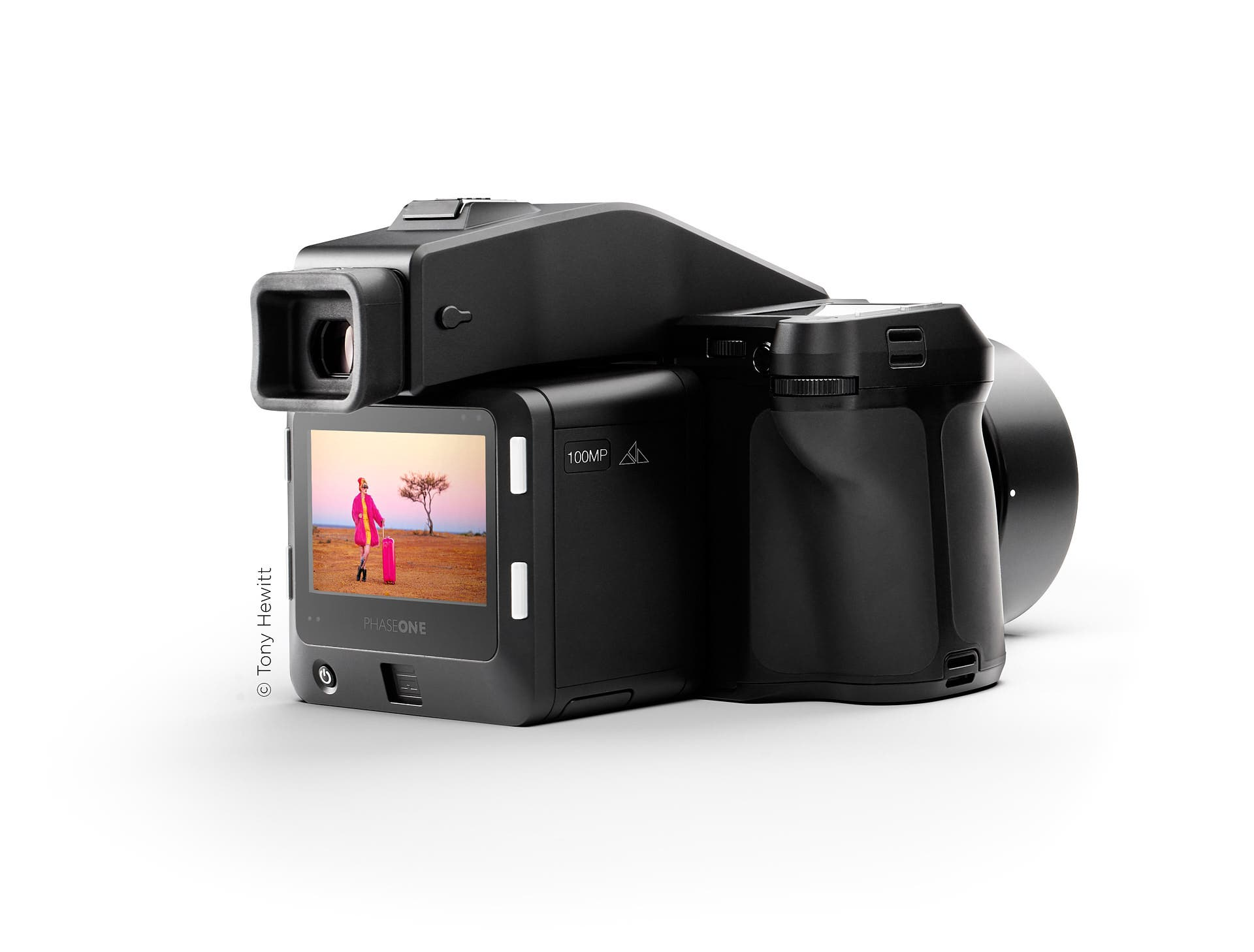 The New Phase One 100MP Trichromatic Digital Back Has a Low ISO of 35