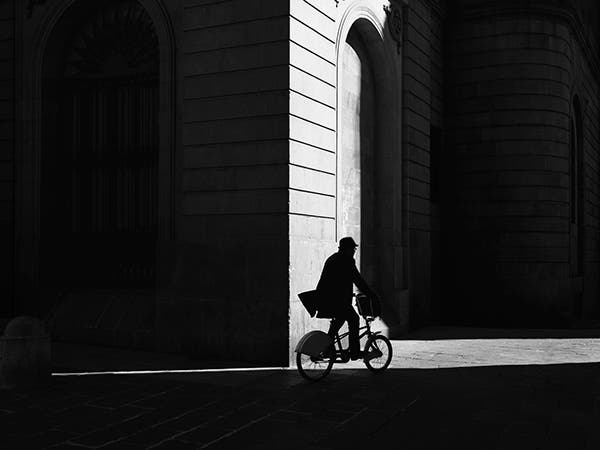"Rupert Vandervell Explores Our Relationship with Urban Spaces for ""Urbanites"""