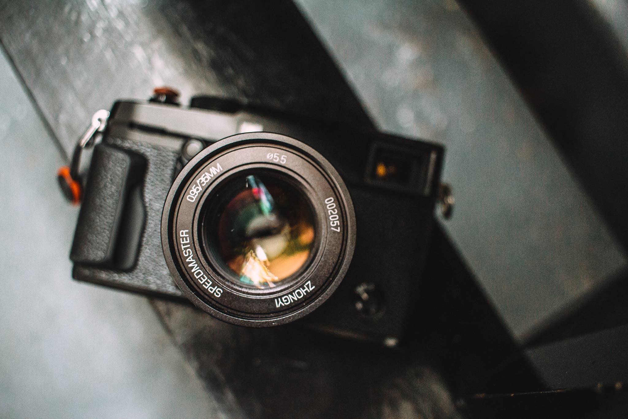 50mm or 35mm Lenses: Which Should You Choose
