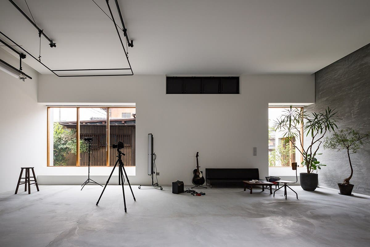 This Beautiful Minimalist Space in Japan is a Photographer's Dream Home Studio