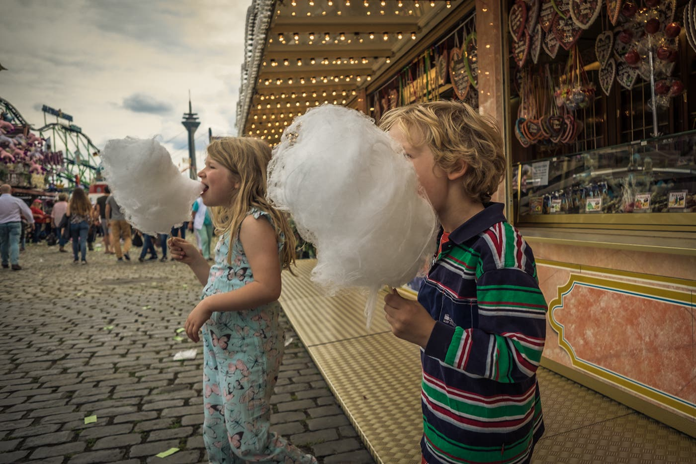 Ron Gessel Shows the Sweet Joy of Cotton Candy World