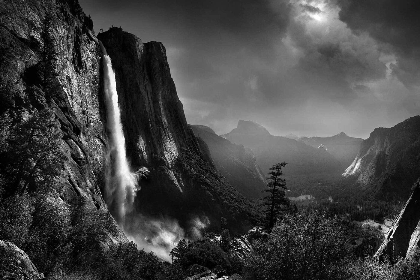 Chris Clor Captures the Beauty of the Outdoors in Punchy Monochromes