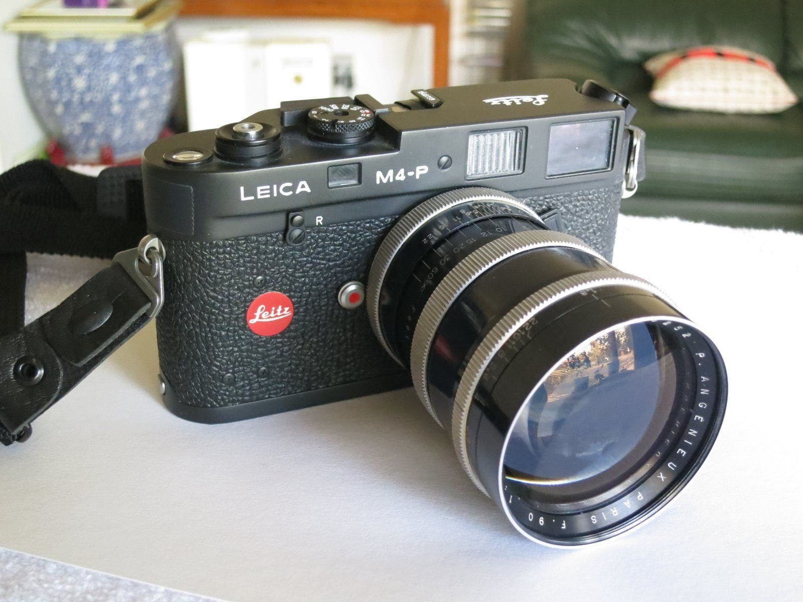 This Leica and Angenieux Combo is a Match Made for the Super Rich