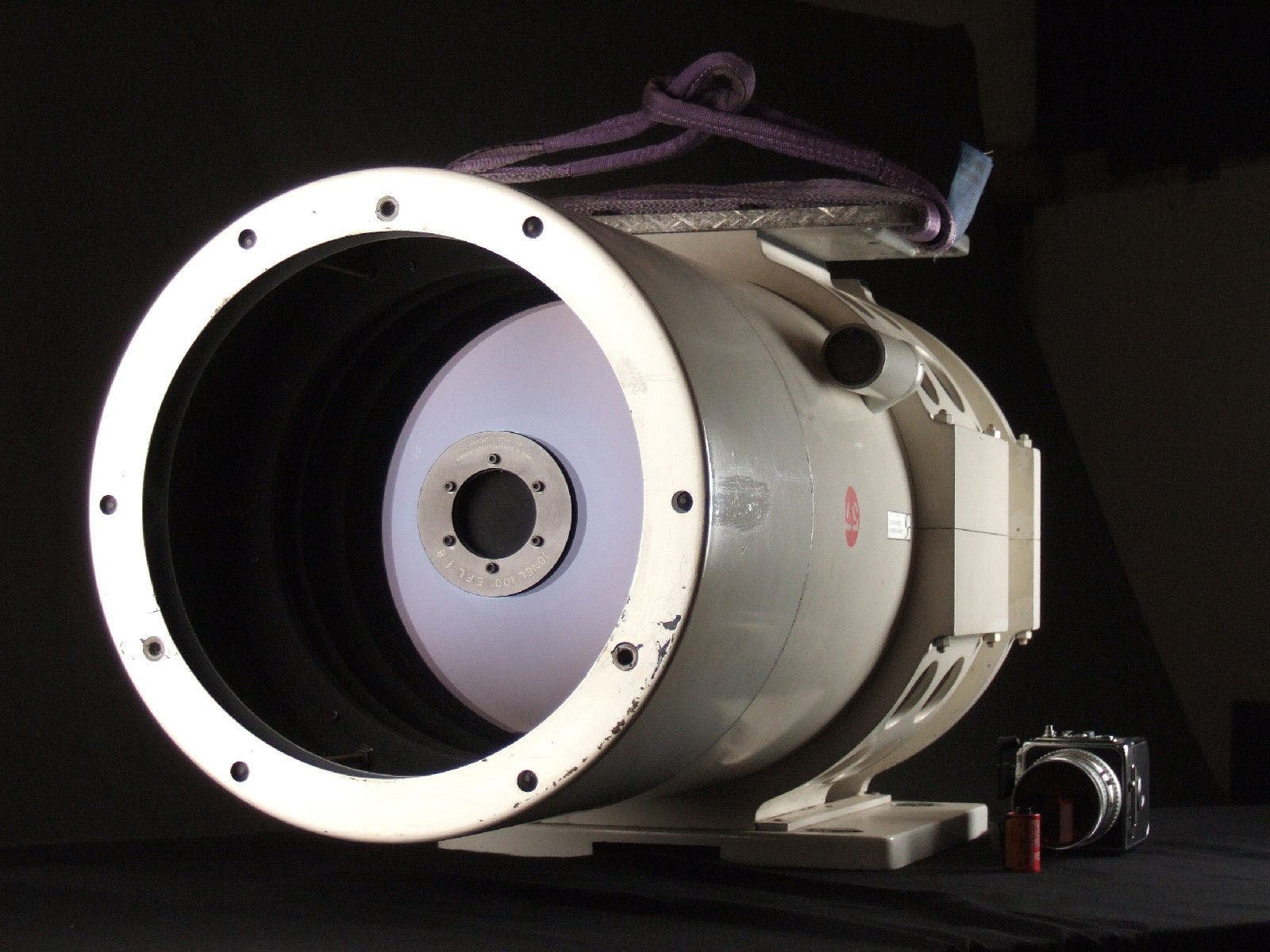 This 2540mm f8 Mirror Lens Used by NASA Now Costs $28,000