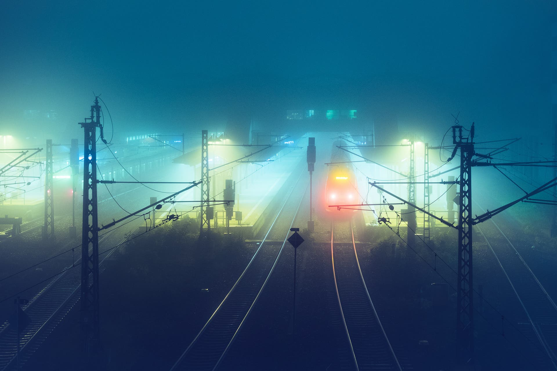 "Andreas Levers Takes Us Around Atmospheric Urbanscapes ""At Night"""