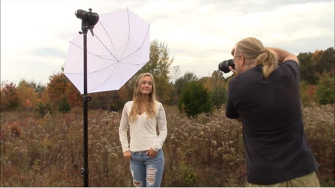 How to Achieve Multiple Portrait Lighting Effects With One Flash Unit