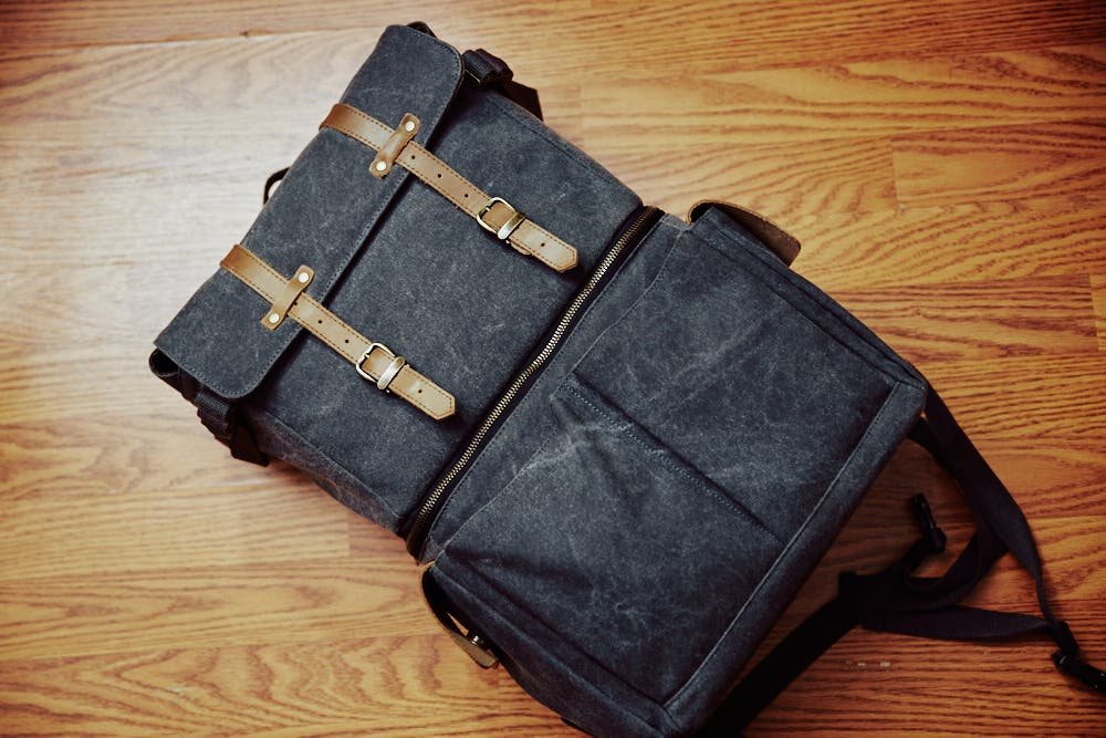 Camera Bag Review: Oliday Journeyman (The Bag I Keep Coming Back To)