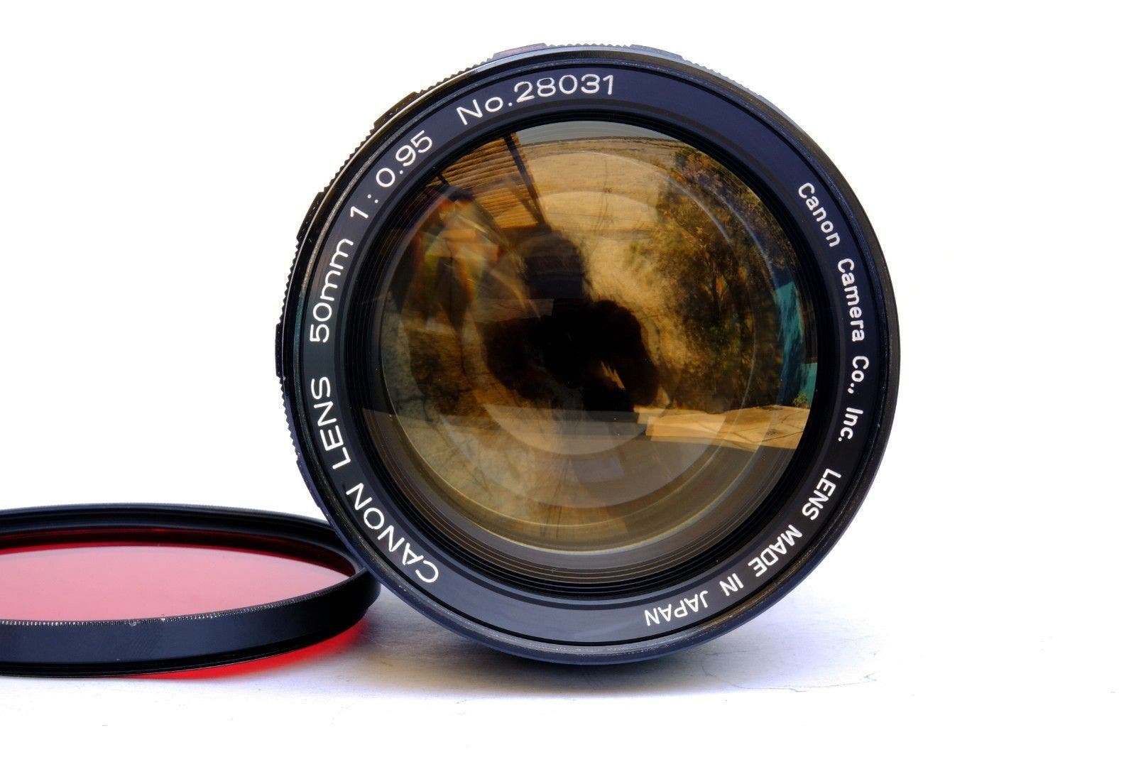 If You Buy This Canon 50mm f0 95 on eBay, Know That It's Stolen