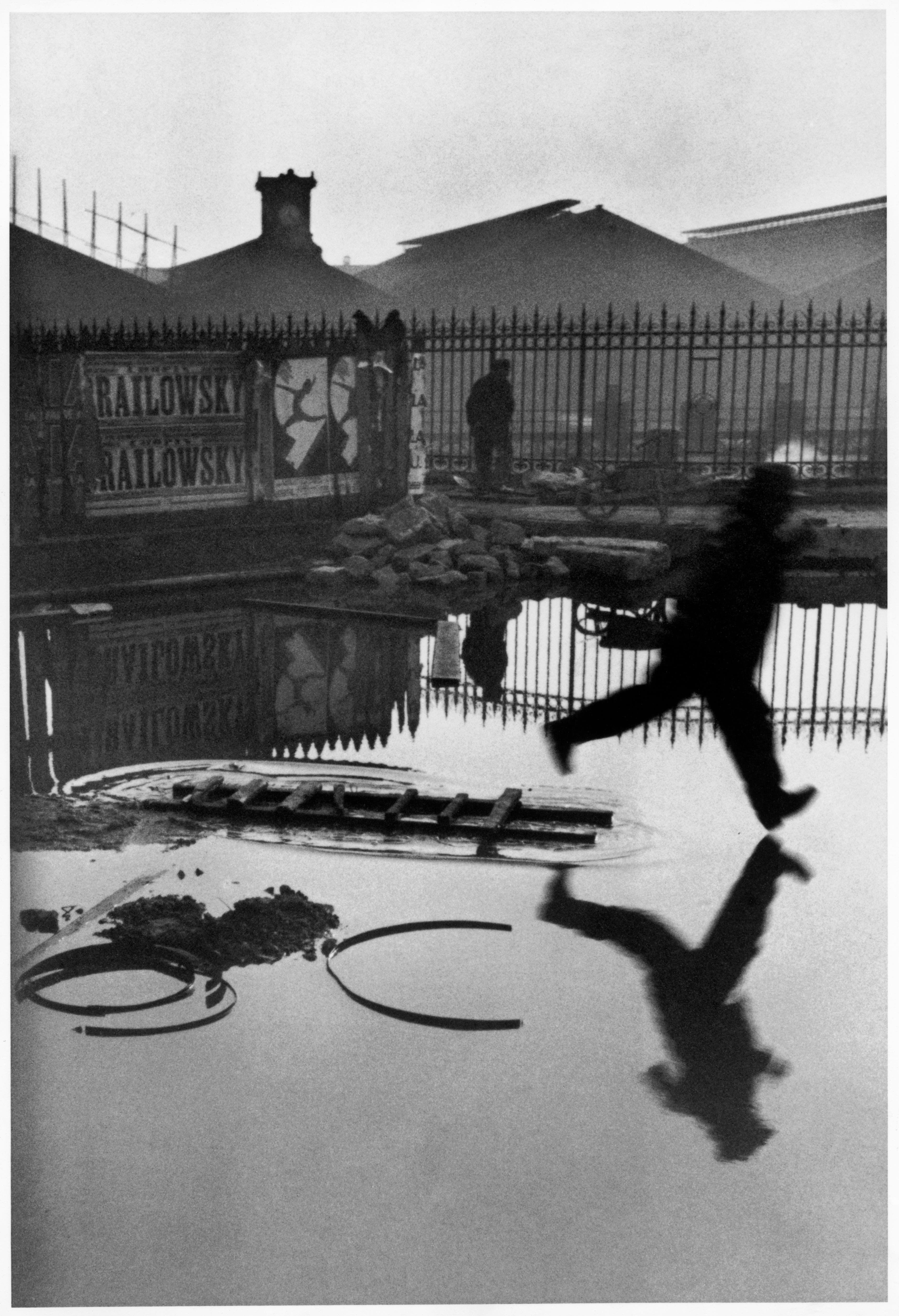 Henri-Cartier Bresson's Best Decisive Moments on Display at ICP