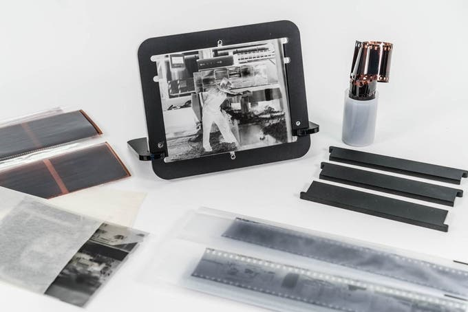 The pixl-latr is a Nifty Tool for Digitizing Films and Transparencies with Ease
