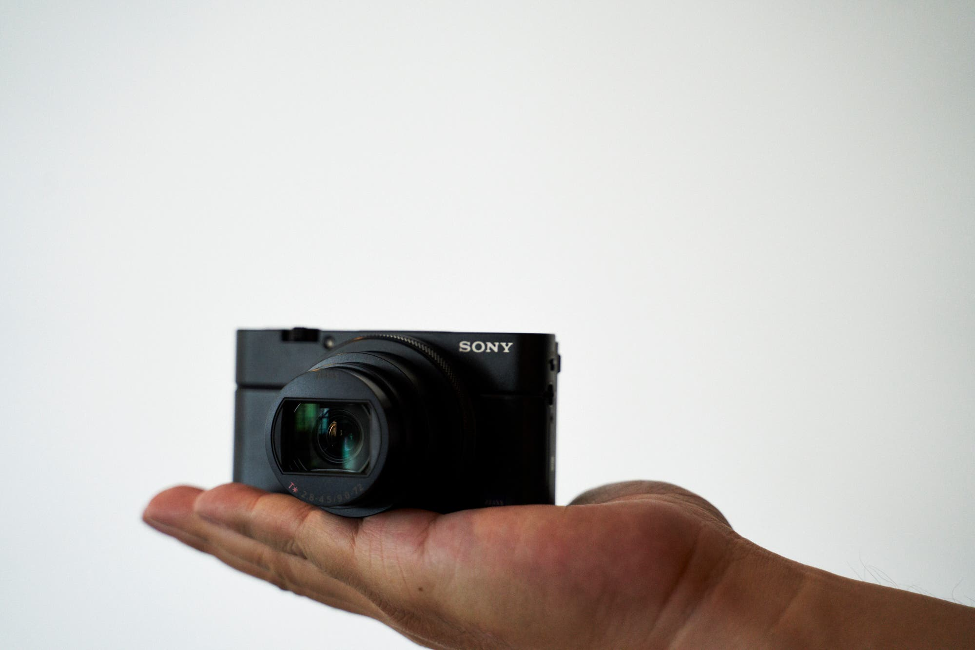 First Impressions: Sony RX100 VI (Sony's Camera for Street Photographers?)