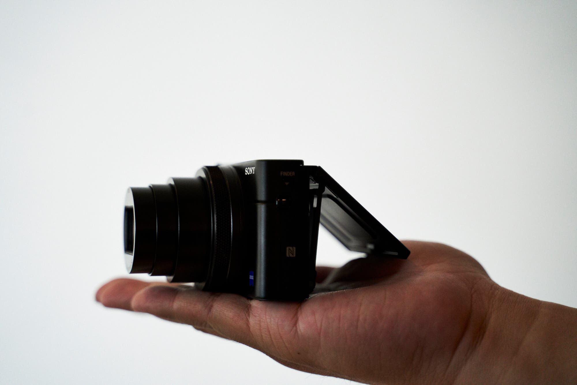 First Impressions Sony Rx100 Vi A Camera For Street Photographers