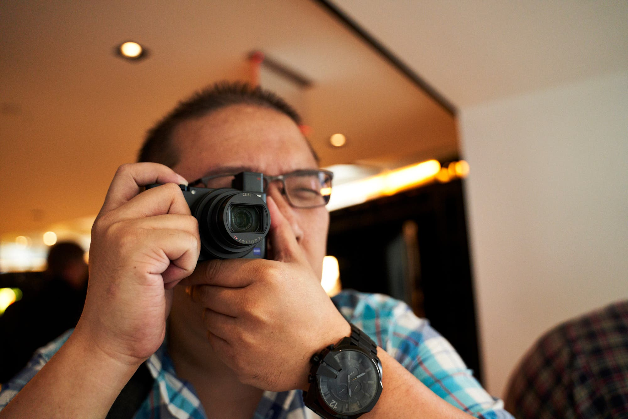 The Slower Lens on the Sony RX100 VI May Turn Bokeh Lovers Off